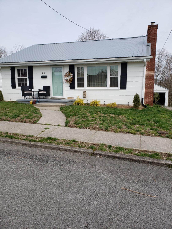 561 Sycamore Hill - Photo 1