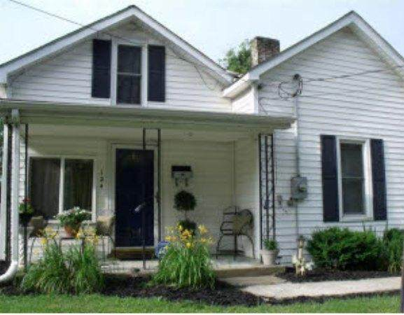 124 Simmons Street, Versailles, KY 40383 (MLS #20019420) :: Nick Ratliff Realty Team