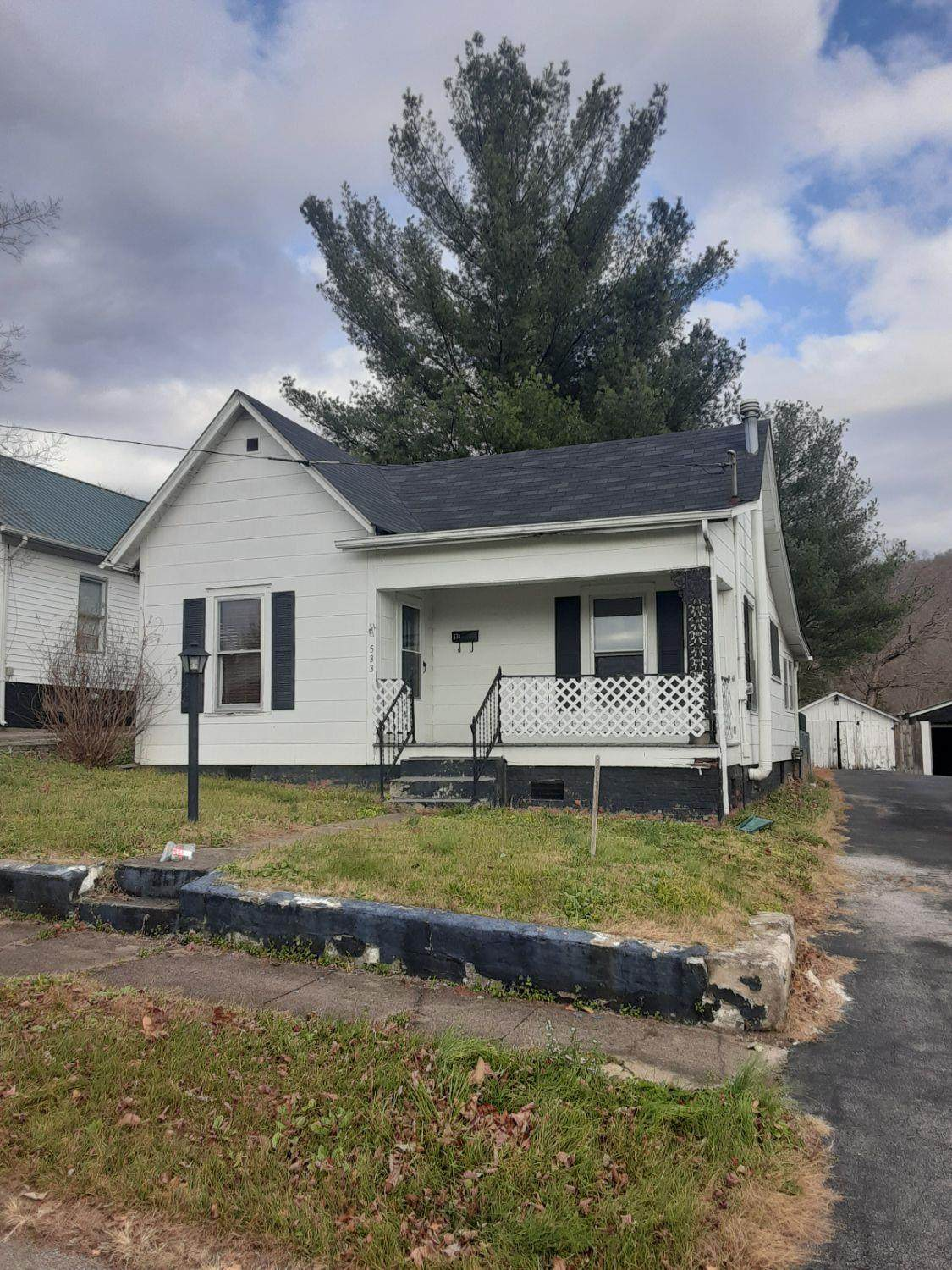 533 Cantrill Street - Photo 1