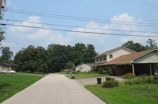 104 Oakwood Drive, Morehead, KY 40351 (MLS #20114302) :: The Lane Team
