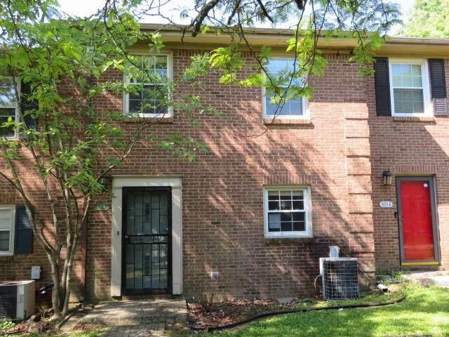 301 Bainbridge Drive J, Lexington, KY 40509 (MLS #20114535) :: Better Homes and Garden Cypress