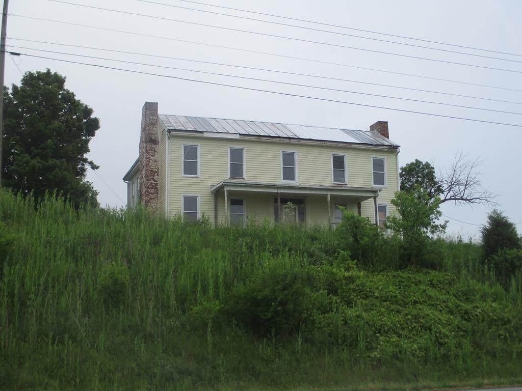 7956 Highway 11 - Photo 1