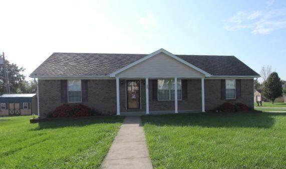 302 Walker Lane, Lawrenceburg, KY 40342 (MLS #20122371) :: Nick Ratliff Realty Team