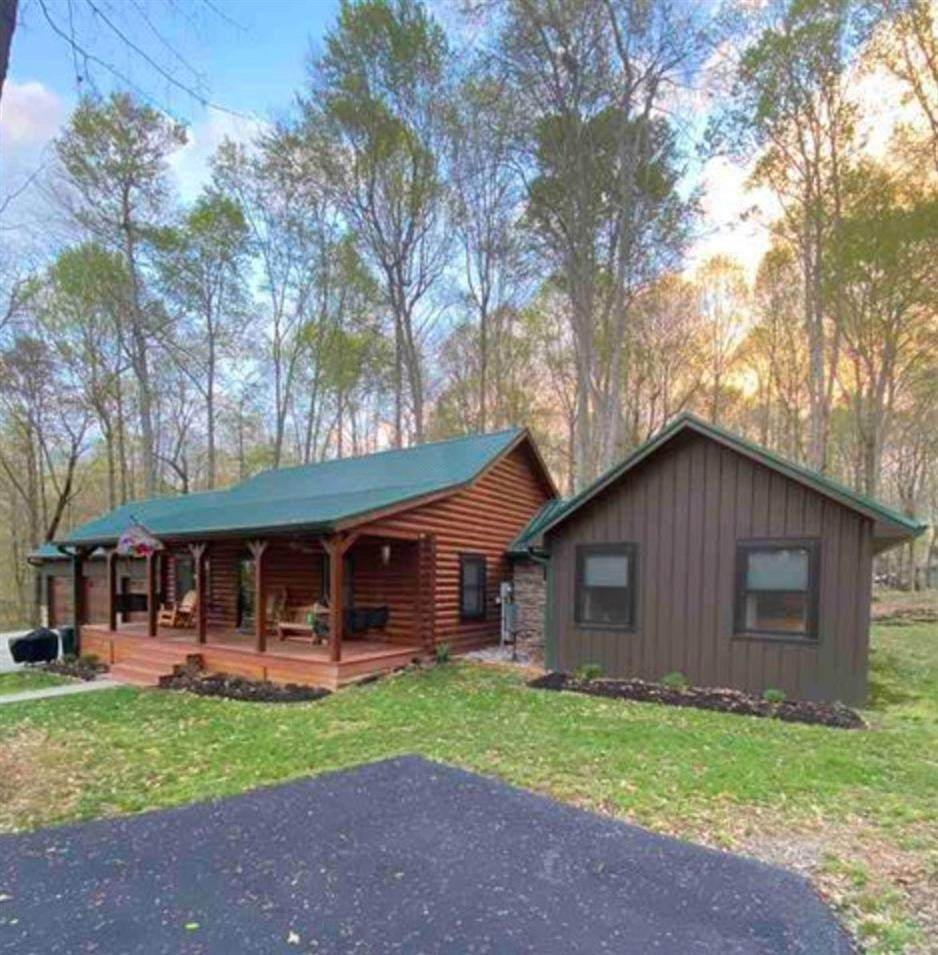 3192 Holmes Bend Rd - Photo 1