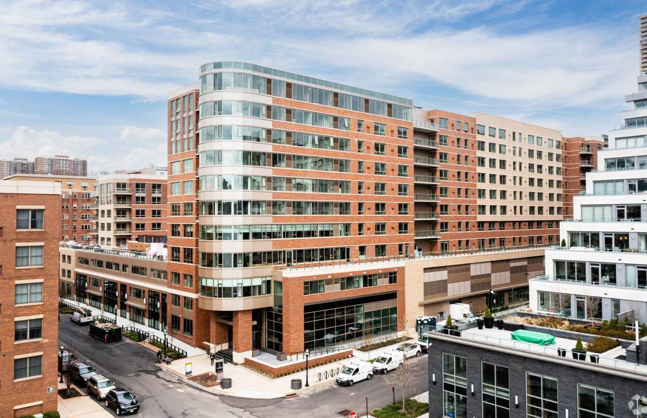 17 Avenue At Port Imperial - Photo 1