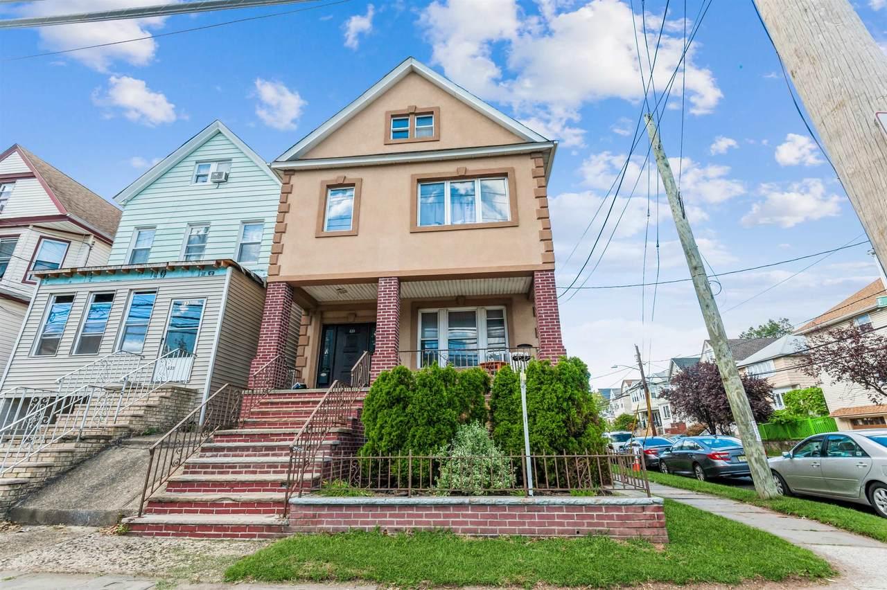 635 Avenue E - Photo 1