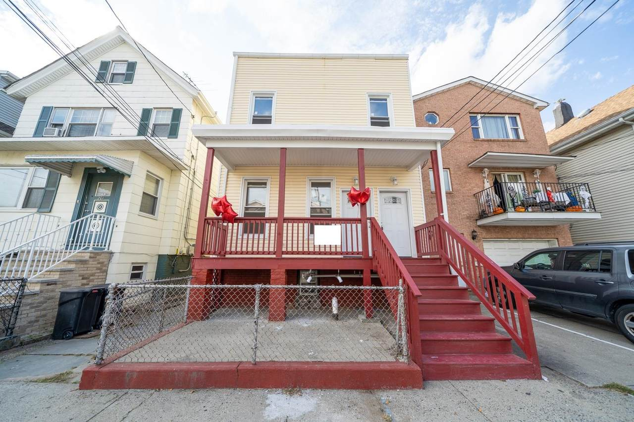 203 Linden Ave - Photo 1