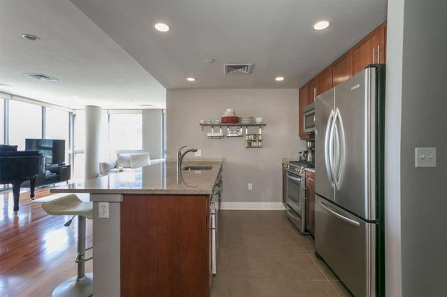 201 Marin Blvd #620, Jc, Downtown, NJ 07302 (MLS #170012578) :: The Trompeter Group