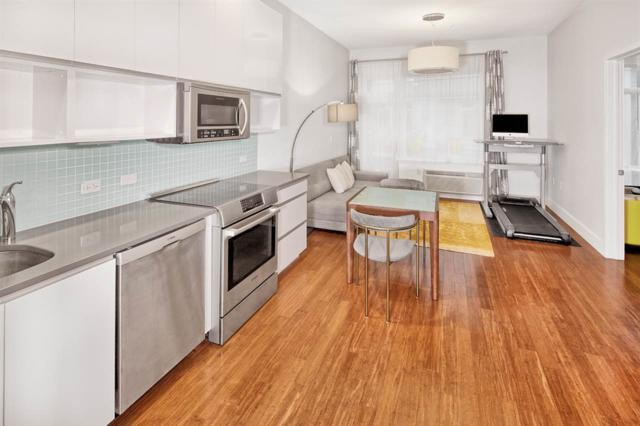 217 Newark Ave #516, Jc, Downtown, NJ 07302 (MLS #170016336) :: The Trompeter Group
