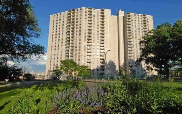 100 Manhattan Ave #1711, Union City, NJ 07087 (MLS #170018005) :: The Dekanski Home Selling Team