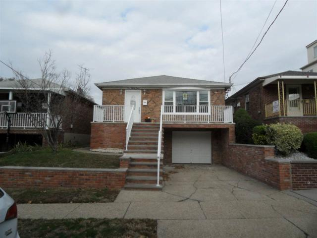 183 West 25Th St, Bayonne, NJ 07002 (MLS #170019728) :: The Trompeter Group