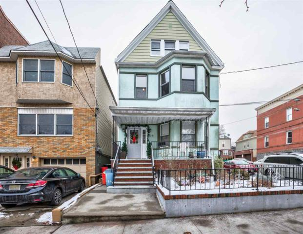 139 Shippen St, Weehawken, NJ 07086 (MLS #180000603) :: The Trompeter Group