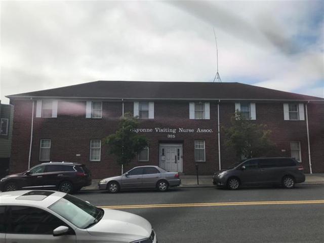 323-329 Broadway, Bayonne, NJ 07002 (MLS #180015161) :: The Trompeter Group