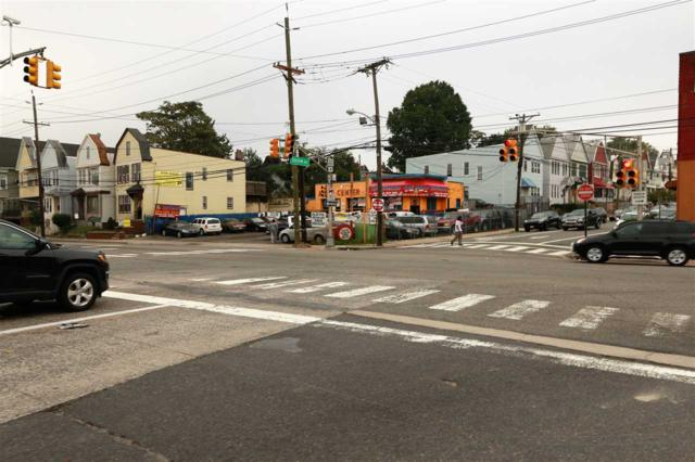 3 Bayview Ave, Jc, Bergen-Lafayett, NJ 07304 (MLS #180023112) :: The Trompeter Group