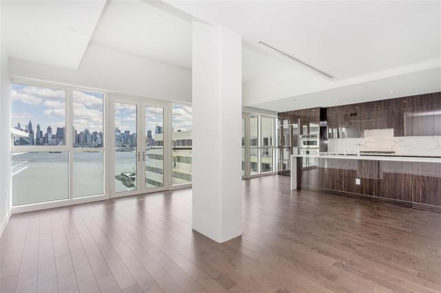 800 Avenue At Port Imperial #1009, Weehawken, NJ 07086 (MLS #190004167) :: PRIME Real Estate Group