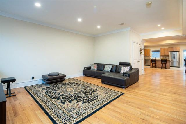 327 1ST ST #2, Jc, Downtown, NJ 07302 (MLS #190004866) :: The Trompeter Group