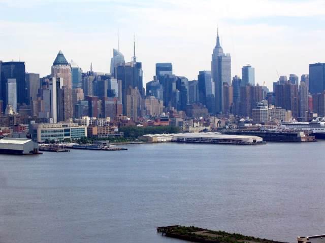 6050 Blvd East 8J, West New York, NJ 07093 (MLS #190018150) :: The Trompeter Group