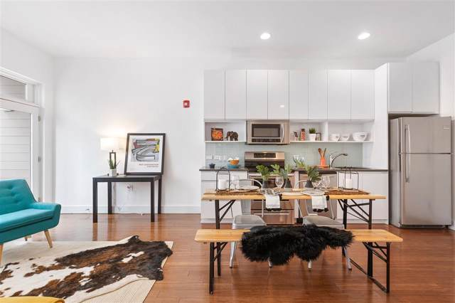217 Newark Ave #209, Jc, Downtown, NJ 07302 (MLS #190021408) :: The Trompeter Group
