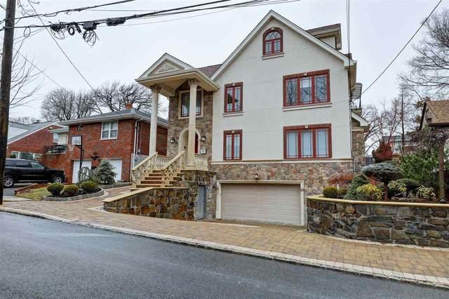 19 Oakdene Ave, Cliffside Park, NJ 07010 (MLS #202002653) :: The Trompeter Group
