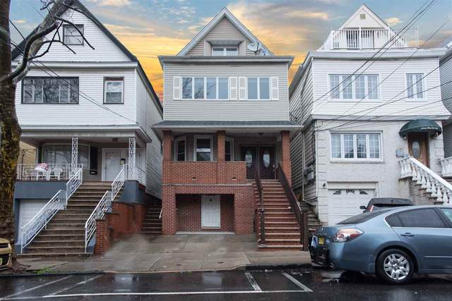 133 West 28Th St, Bayonne, NJ 07002 (MLS #202005690) :: The Trompeter Group