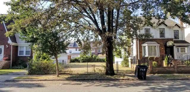 146 Hansbury Ave, Newark, NJ 07112 (MLS #202008336) :: The Sikora Group