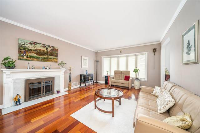 15 Chatham Terrace, Clifton, NJ 07013 (MLS #202010331) :: RE/MAX Select