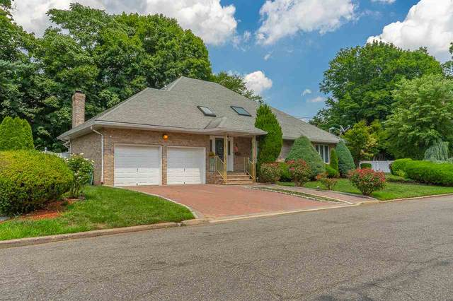135 Eastlawn Dr, Teaneck, NJ 07666 (MLS #202015039) :: RE/MAX Select
