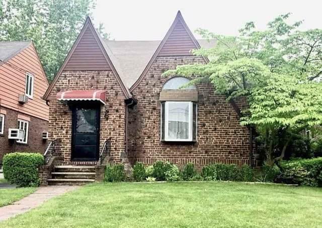 121 Oakdene Ave, Leonia, NJ 07605 (MLS #202019313) :: The Ngai Group