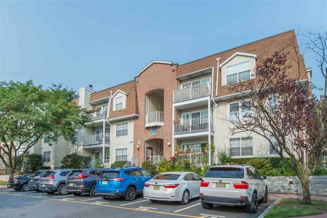 400 Crown Ct #561, Edgewater, NJ 07020 (MLS #202020654) :: Team Francesco/Christie's International Real Estate