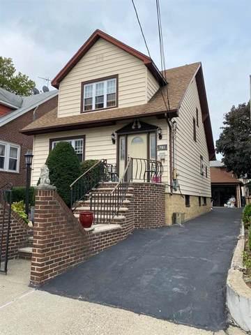 721 Hillside Ave, Cliffside Park, NJ 07010 (MLS #202021111) :: The Ngai Group