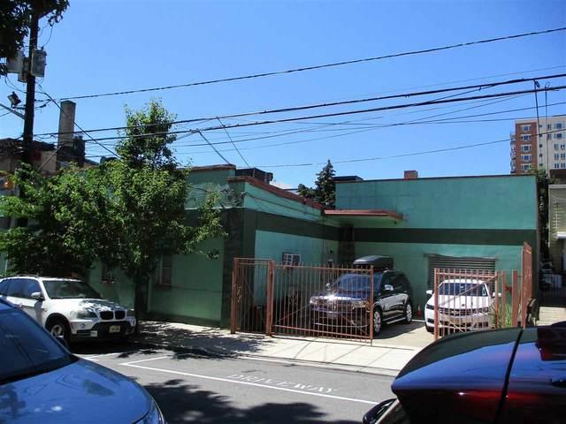 131-135 35TH ST, Union City, NJ 07087 (MLS #210014733) :: Team Francesco/Christie's International Real Estate