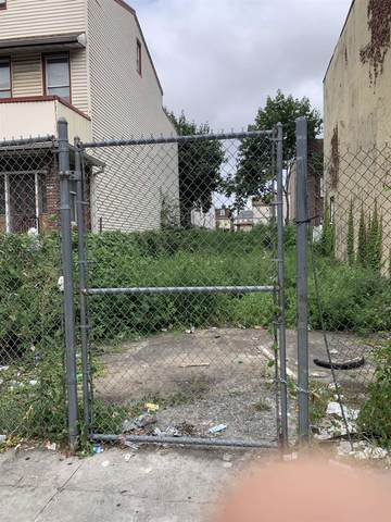 12 Lexington Ave, Jc, Greenville, NJ 07304 (MLS #210019576) :: The Danielle Fleming Real Estate Team
