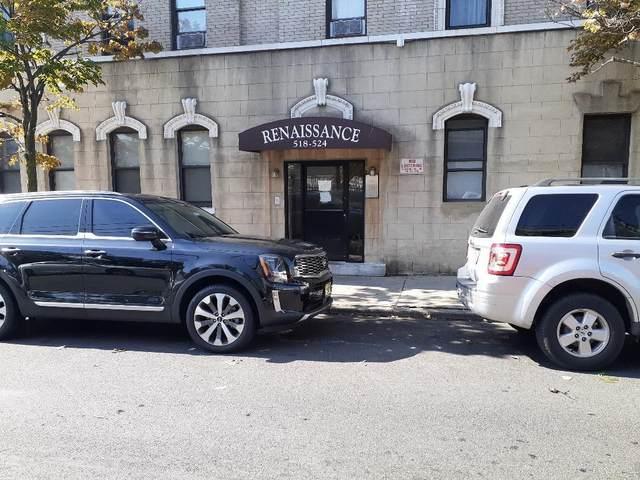 518-524 Kennedy Blvd, Bayonne, NJ 07002 (MLS #210022146) :: Kiliszek Real Estate Experts