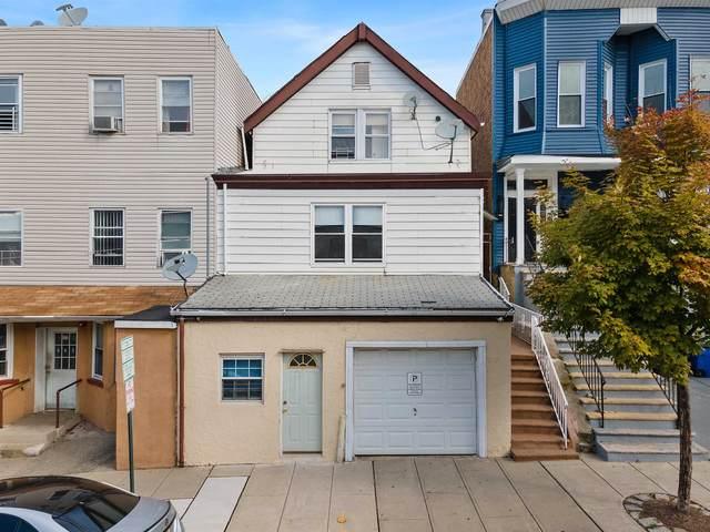 718 11TH ST, Union City, NJ 07087 (MLS #210023862) :: The Danielle Fleming Real Estate Team