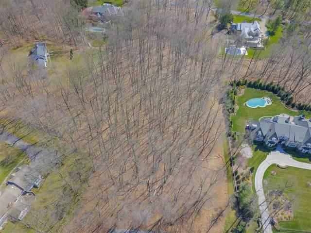 15 Fox Hedge Rd, Saddle River, NJ 07458 (MLS #202006344) :: The Danielle Fleming Real Estate Team