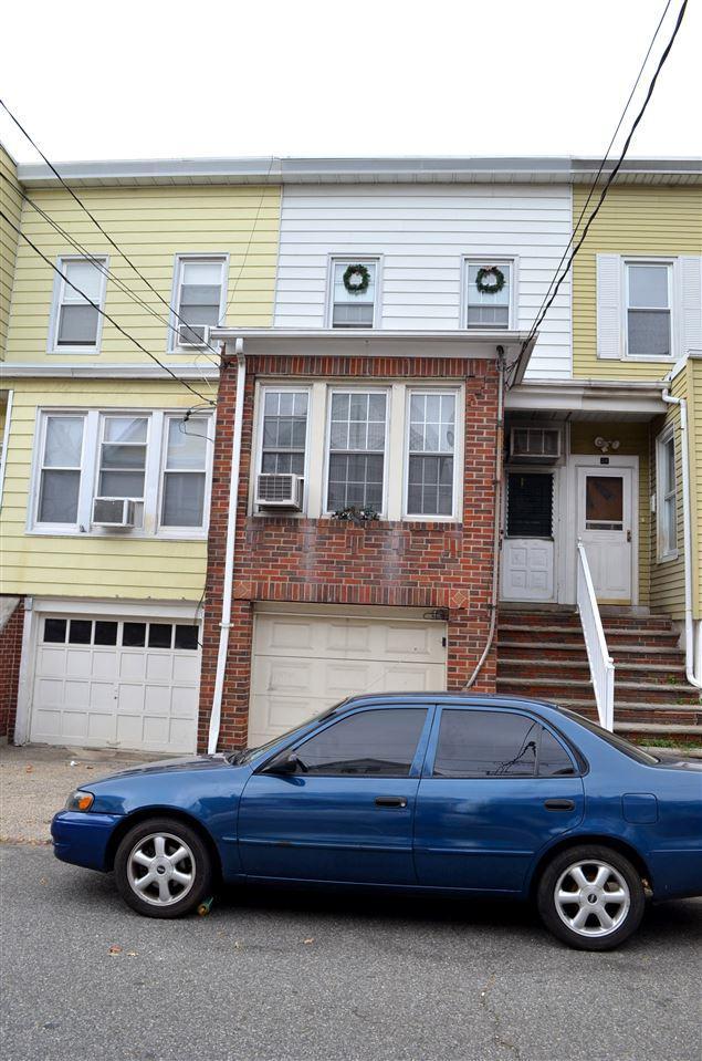 22.5 West 11Th St, Bayonne, NJ 07002 (MLS #160013902) :: Marie Gomer Group