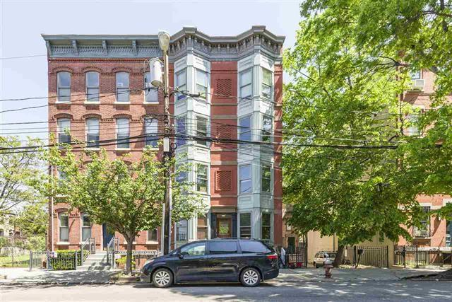 126 Bright St #301, Jc, Downtown, NJ 07302 (MLS #170011750) :: The Trompeter Group