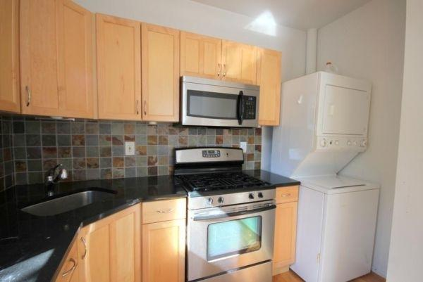 233 Montgomery St, Jc, Downtown, NJ 07302 (MLS #170012555) :: The Trompeter Group