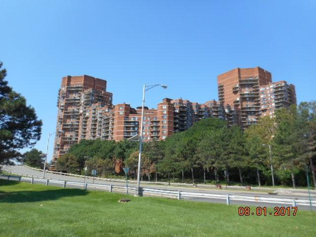 119 Harmon Cove Tower #119, Secaucus, NJ 07094 (MLS #170014089) :: Marie Gomer Group