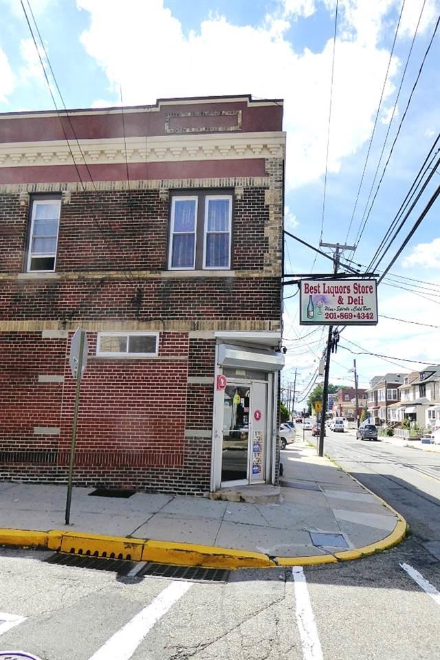 901 76TH ST, North Bergen, NJ 07047 (MLS #170016212) :: The DeVoe Group