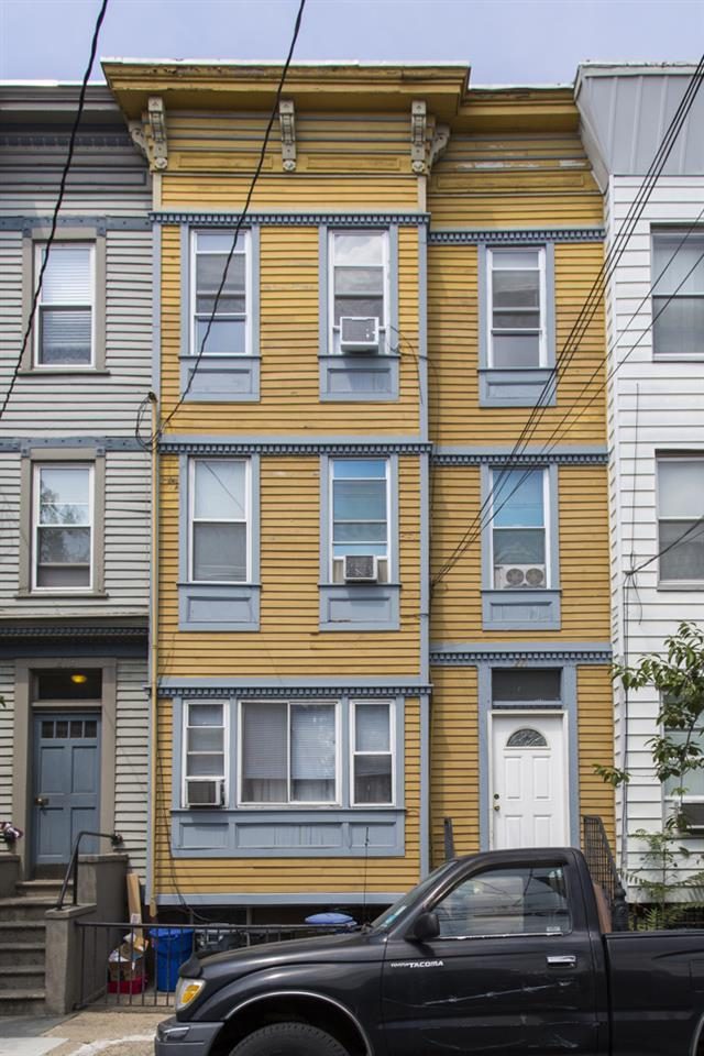 221 Brunswick St, Jc, Downtown, NJ 07302 (MLS #170016244) :: The Trompeter Group