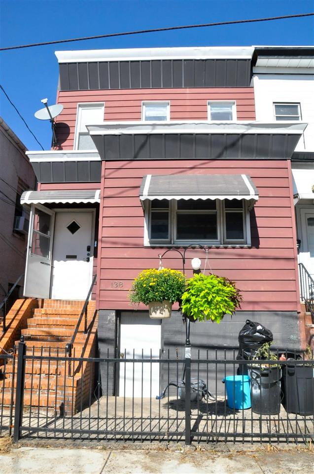 138 North St Upstairs, Jc, Heights, NJ 07307 (MLS #170016496) :: The Trompeter Group