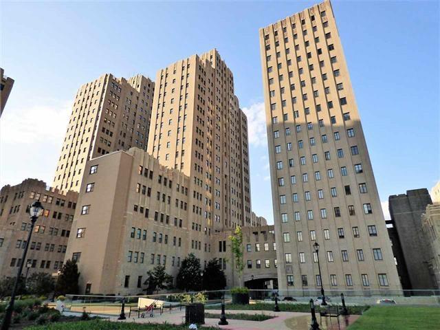 4 Beacon Way #507, Jc, Journal Square, NJ 07304 (MLS #170018187) :: Marie Gomer Group