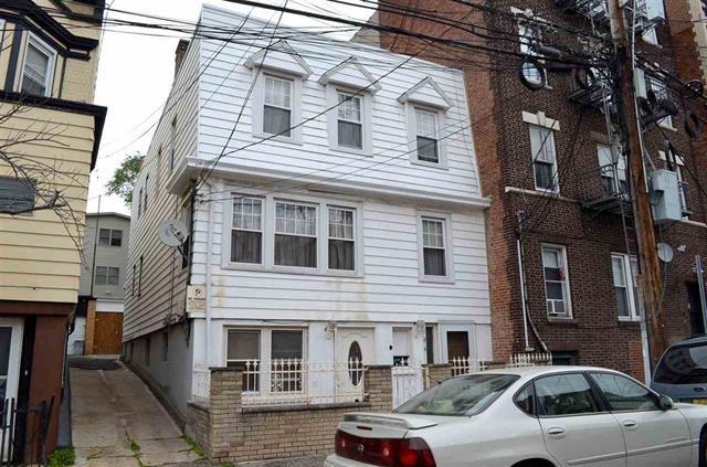 184 Congress St, Jc, Heights, NJ 07307 (MLS #170021029) :: Marie Gomer Group