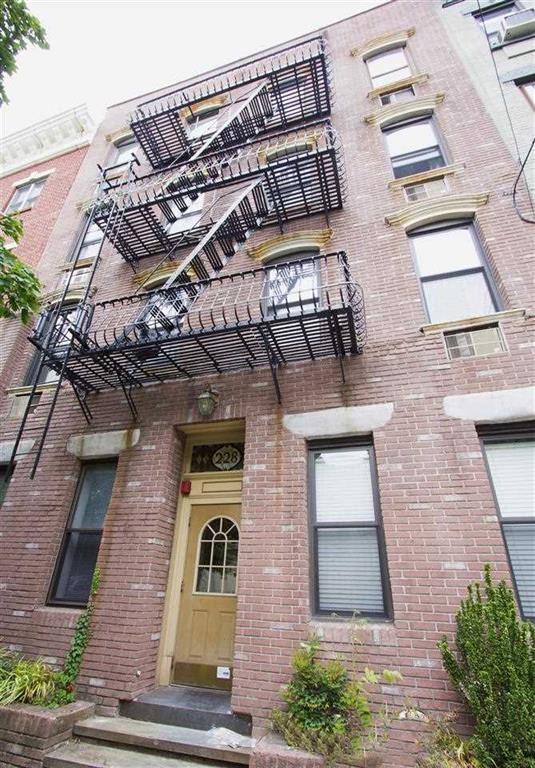 228 Bloomfield St #7, Hoboken, NJ 07030 (MLS #170021038) :: Marie Gomer Group