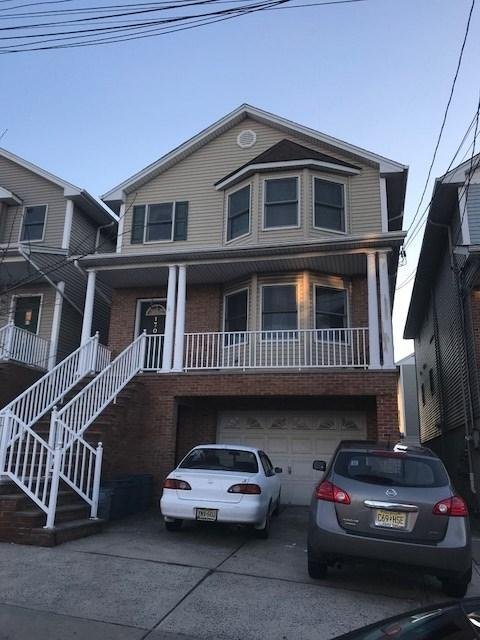 170 West 54Th St, Bayonne, NJ 07002 (MLS #180000670) :: Keller Williams City Life Realty