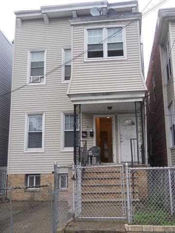 96 Warner Ave, Jc, Bergen-Lafayett, NJ 07305 (MLS #180001241) :: The Trompeter Group