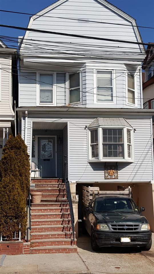 65 West 17Th St, Bayonne, NJ 07002 (MLS #180007501) :: Keller Williams City Life Realty