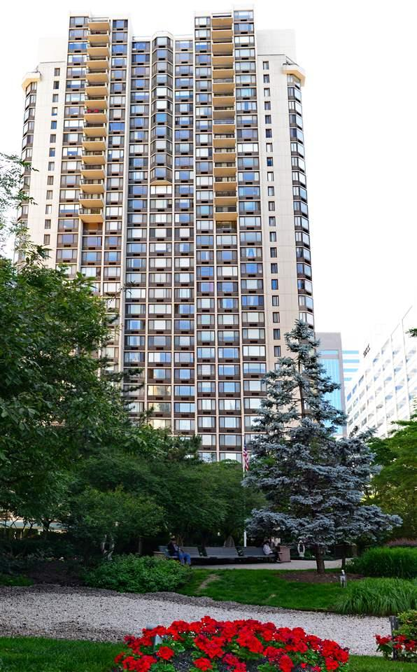 45 River Dr South #2212, Jc, Downtown, NJ 07310 (MLS #180011080) :: The Trompeter Group