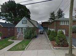 230 Mcloud Dr, Fort Lee, NJ 07024 (MLS #180012513) :: The Trompeter Group